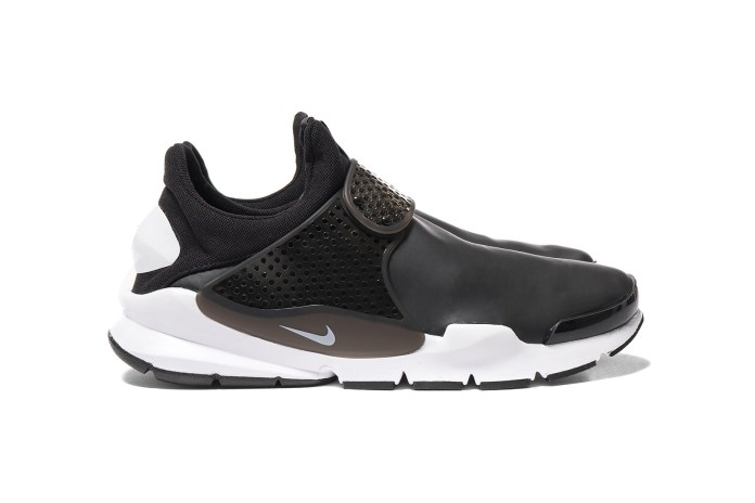 Nike Gave the Sock Dart a Water-Repellant Overhaul