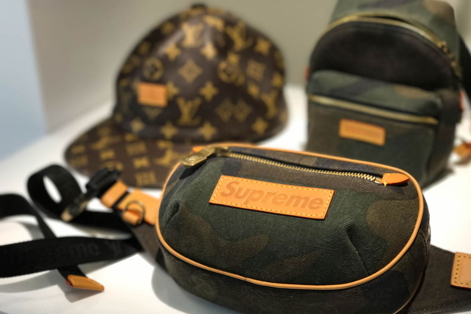 Supreme x Louis Vuitton 2017 Fall/Winter Closer Look Showroom - 3703532