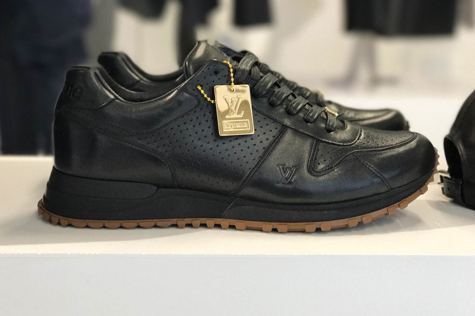 Supreme x Louis Vuitton 2017 Fall/Winter Closer Look Showroom - 3703540