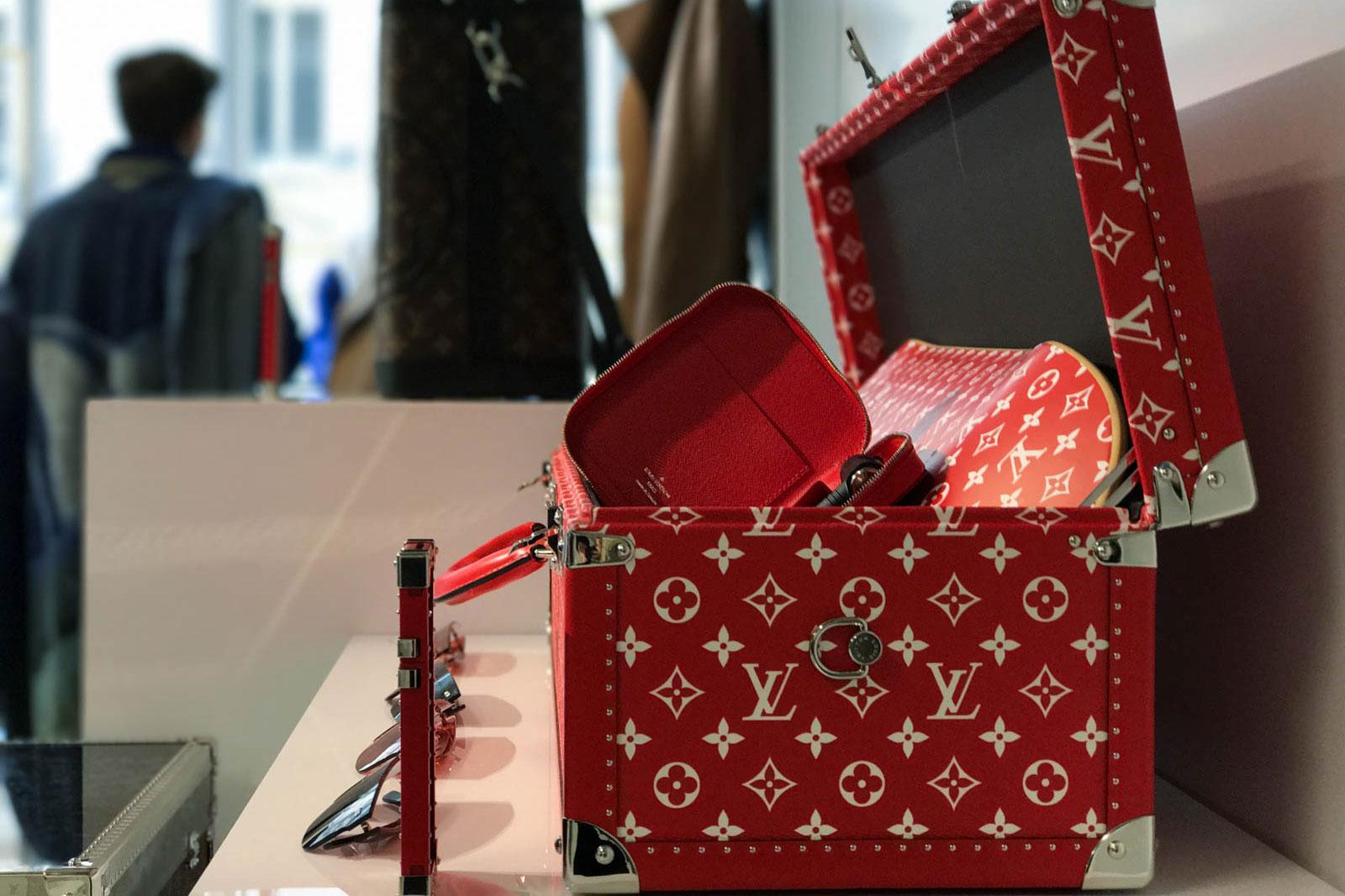 Supreme x Louis Vuitton 2017 Fall/Winter Closer Look Showroom - 3703561