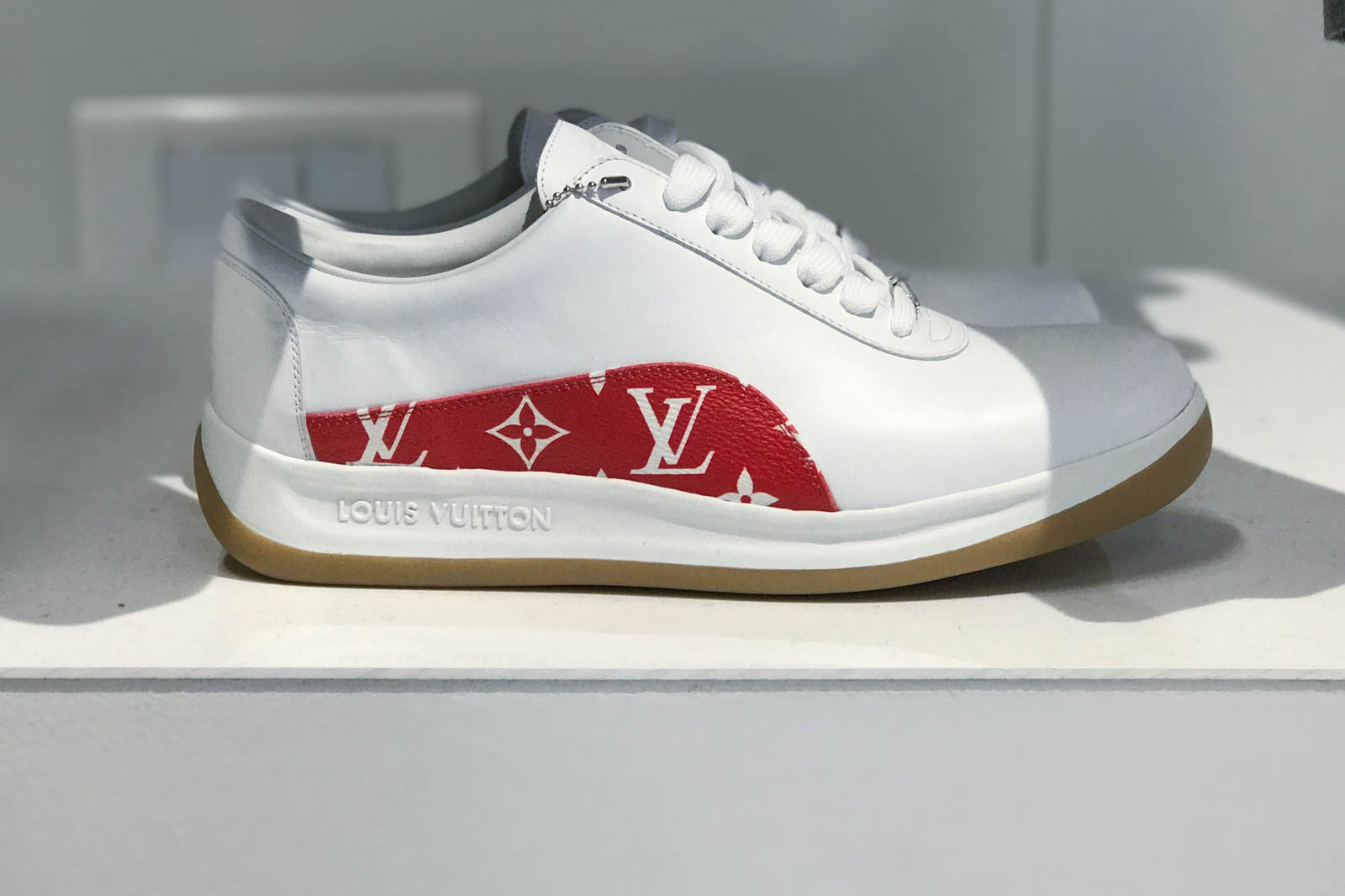 Supreme x Louis Vuitton 2017 Fall/Winter Closer Look Showroom - 3703571