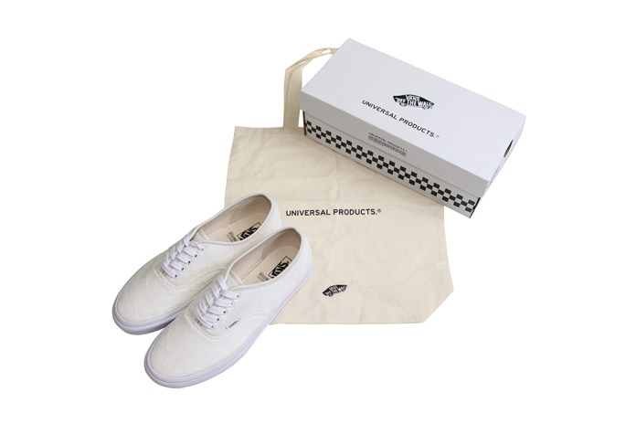 UNIVERSAL PRODUCTS Covers the Vans Authentic in White Pony Hair