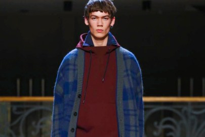 Wooyoungmi Combines Modern Aesthetics With Colonial Fashion for 2017 Fall/Winter Collection