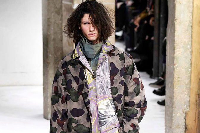 Yohji Yamamoto's 2017 Fall/Winter Collection Mixes Directional Cool and Artistic Flair
