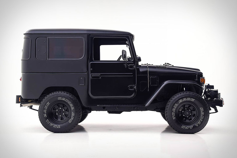 1979 Toyota FJ40 Land Cruiser Matte Black