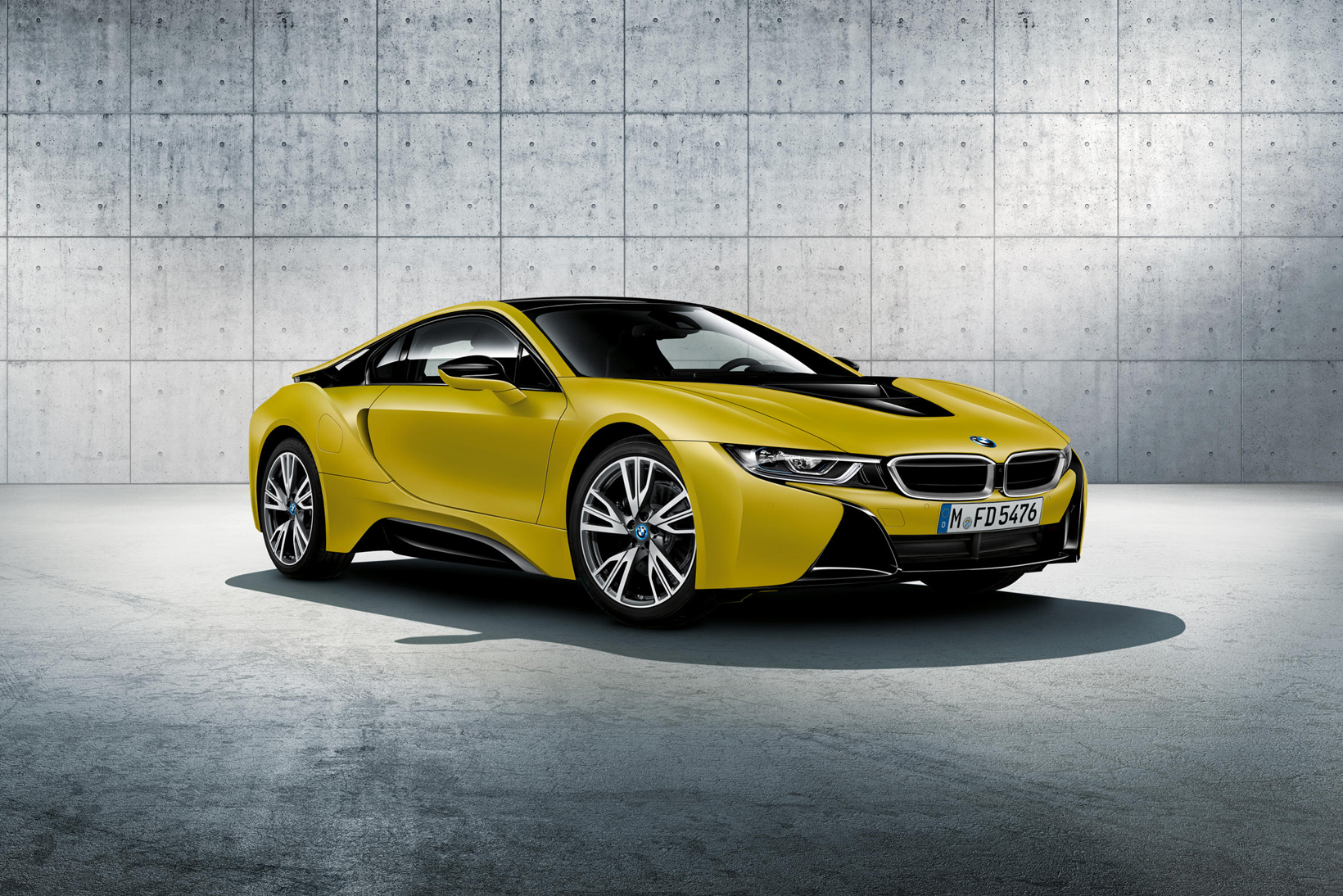 BMW i8 Protonic Frozen Black Frozen Yellow BMW Individual Program