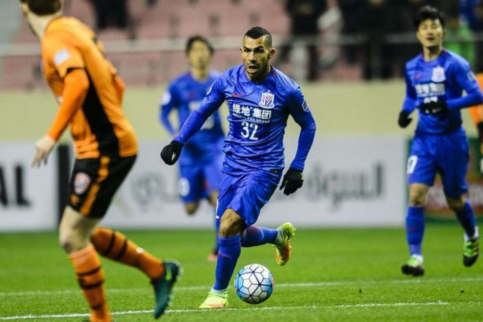 World's Highest Paid Footballer, Carlos Tevez, Makes Awful Debut in China