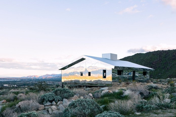 Doug Aitken Mixes Mirrors, California Ranch Housing & the Palm Springs Desert for 'Mirage'