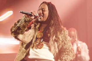 """Lupe Fiasco Performs """"Jump"""" on the 'Late Show'"""