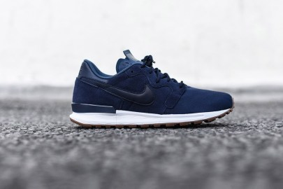 Nike Feels the Blues With Latest Air Berwuda PRM Release
