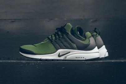 """Nike's Air Presto Essential Gets a """"Legion Green"""" Colorway"""