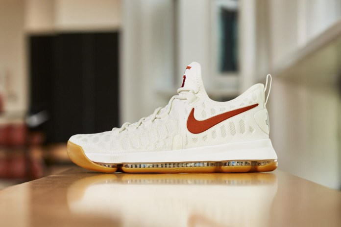 Kevin Durant Pays Homage to His Alma Mater via the Nike KD 9