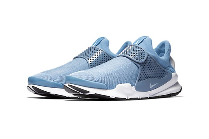 "Nike's Sock Dart Receives A ""Work Blue"" Colorway"