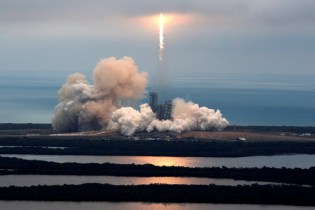 SpaceX Successfully Launches Rocket From NASA's Kennedy Space Center