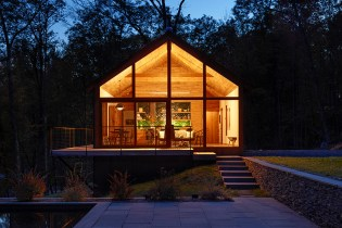 An Upstate New York Cabin Gets Modernized With Sustainable Materials