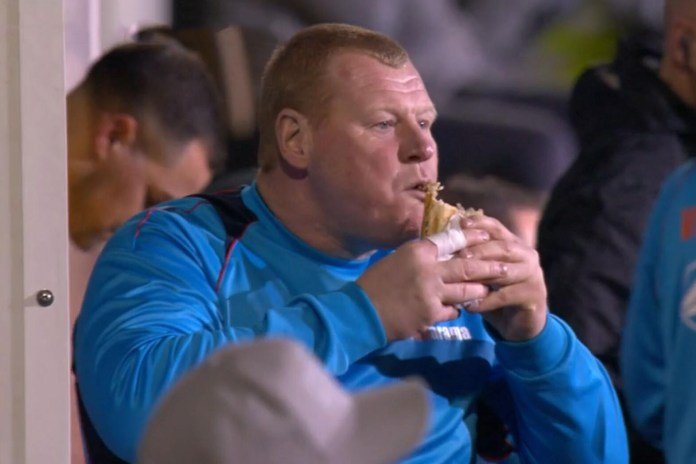 Footballer Hits Bar at Halftime, Then Chows Down During Match