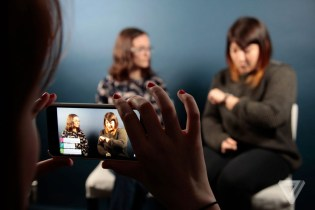 YouTube Takes on Facebook With Mobile Live Streaming