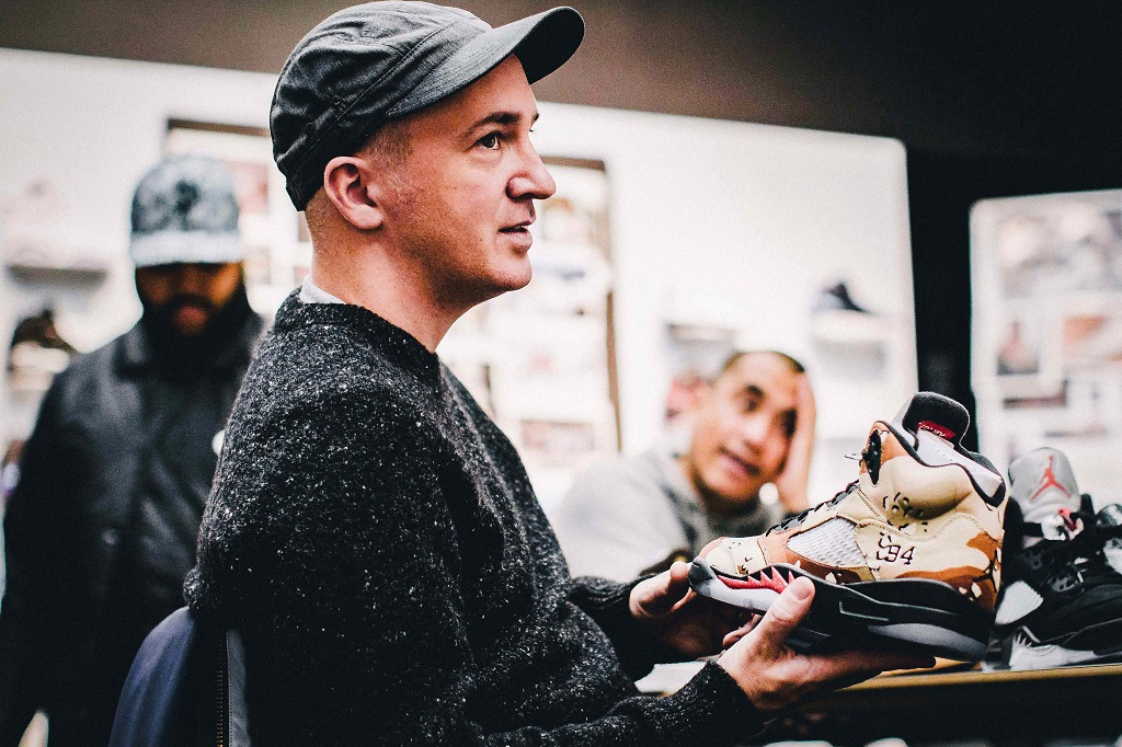 Air Jordan Brian KAWS Donnelly Interview Capsule Collaboration - 3761003