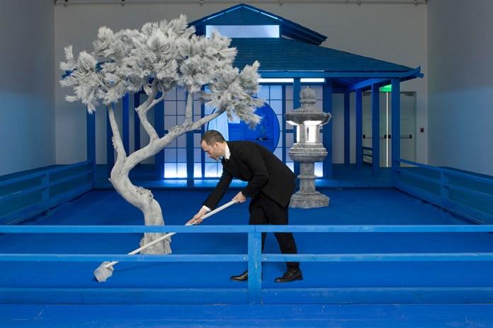 "Take a Look Inside Daniel Arsham's Tonal Zen Garden for His ""Hourglass"" Exhibit"