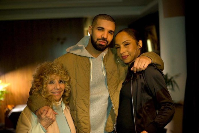 Drake Meets Sade, Brings out Skepta, Nicki Minaj, Giggs & Jorja Smith in London