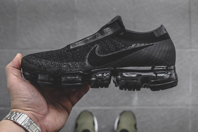 9c3641b52b9 HYPEFEET  The COMME des GARÇONS x Nike Air Vapormax Defines Elevated Fashion