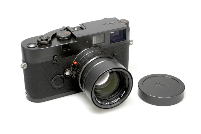 "Leica MP ""Blue Stain"" Celebrates 10th Anniversary of Leica Store Berlin"