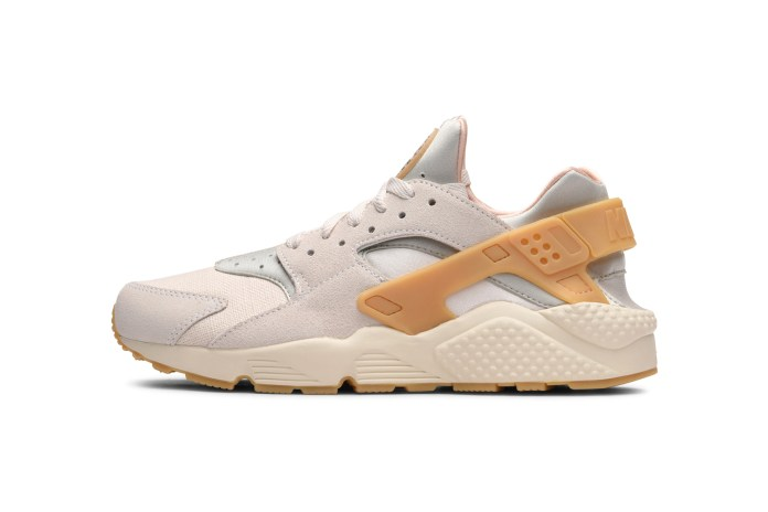 Nike Drops a Couple of Earthy Air Huarache Colorways