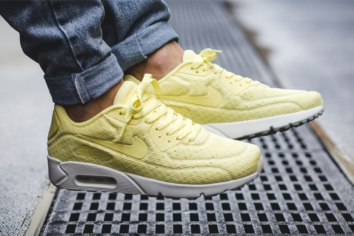 The Nike Air Max 90 Ultra Breeze Gets Two New Colorways for Spring