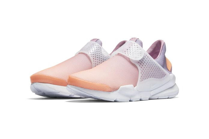 Ombre Colorways Highlight Nike's Sock Dart Breeze Lineup