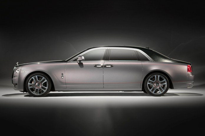 This Rolls-Royce Ghost Is Coated in Diamond Paint