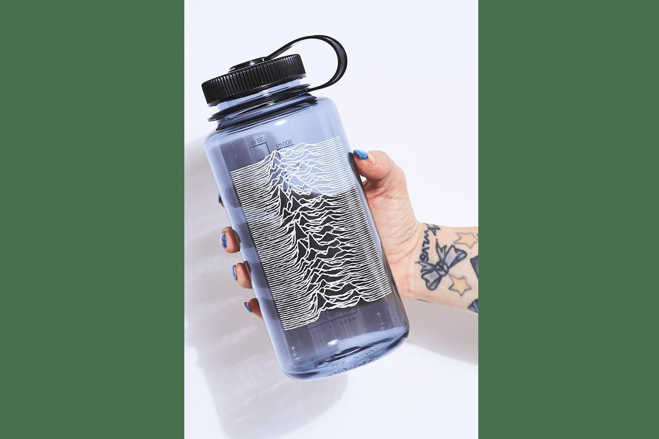 fashion Nalgene Water Bottle Collaboration 32oz Wide Mouth Travis Scott Supreme Bape Online Ceramics PLEASURES Eden Power Corp Stadium Goods Fred Segal Manufacturing T Shirt Blanks Sustainability