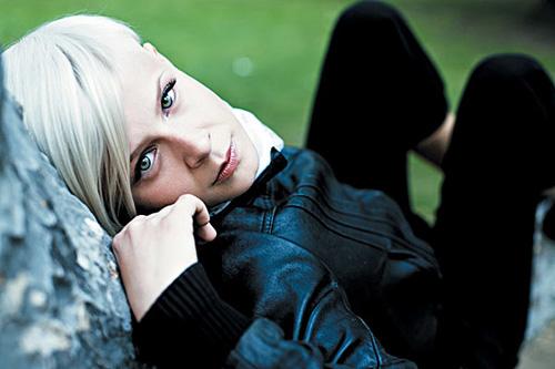 Robyn featuring Röyksopp - None Of Dem