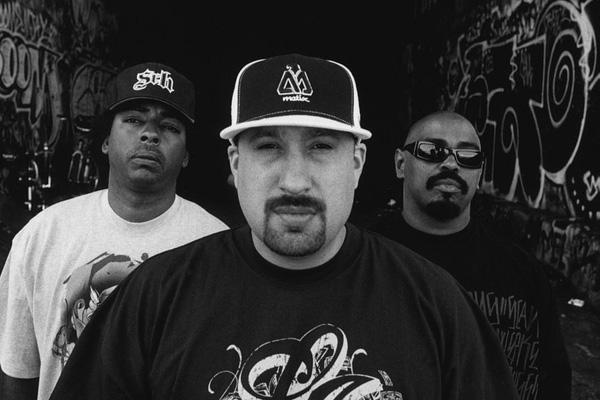 Cypress Hill featuring Mike Shinoda - Carry Me Away