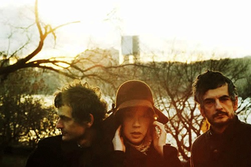 Blonde Redhead - Not Getting There