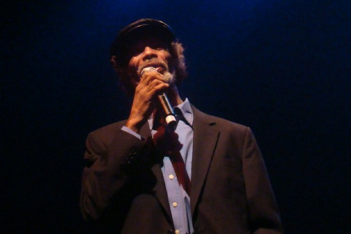Gil Scott Heron featuring Mos Def - New York is Killing Me