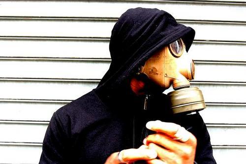Hezekiah featuring Talib Kweli & Bahamadia – Fired Up!