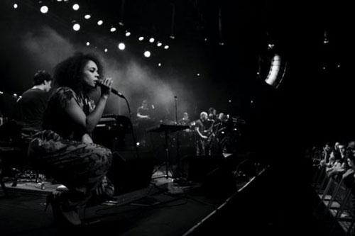 Andreya Triana - Lost Where I Belong (Flying Lotus Remix)