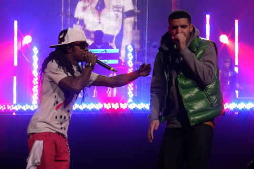 Lil' Wayne featuring Drake - Right Above It (CDQ)