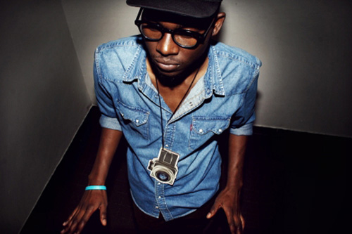 Theophilus London featuring The Dap Kings - Calypso Blues