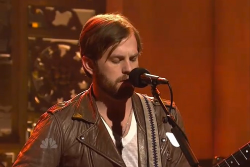 Kings Of Leon - Radioactive x Pyro (Live On SNL)