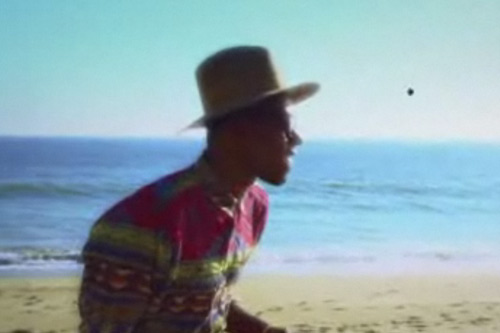 Theophilus London featuring Devonte Hynes & Solange Knowles - Flying Overseas