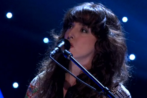 Beach House - 10 Mile Stereo (Live on Conan)
