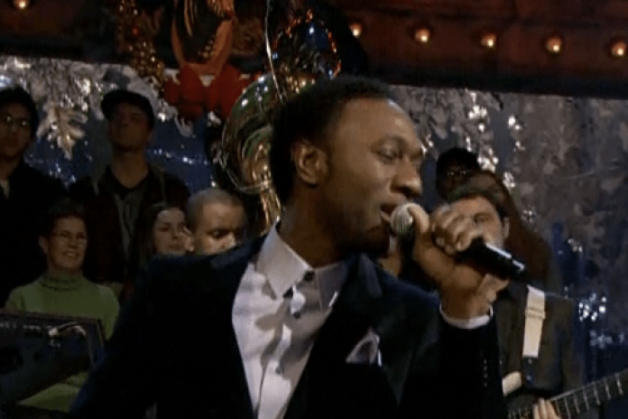 Aloe Blacc featuring The Roots - I Need a Dollar (Live on Jimmy Fallon)