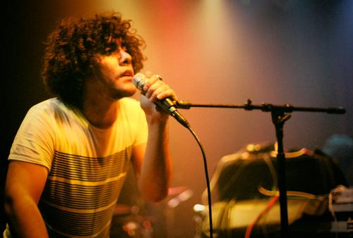 Neon Indian – Children of the Revolution (T. Rex cover)