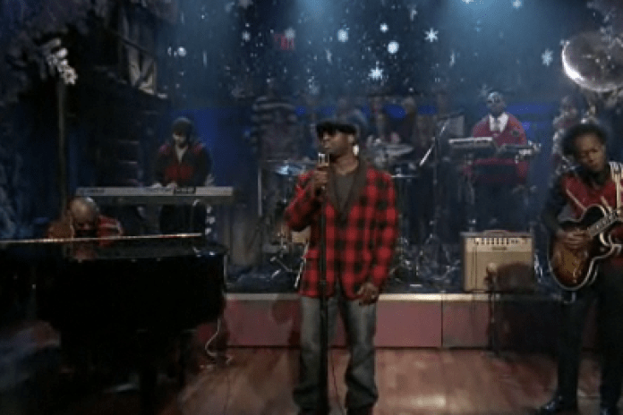 The Roots - The Christmas Song (Live On Fallon)