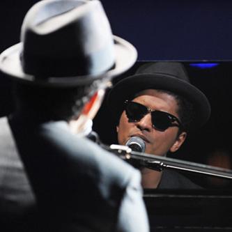 Bruno Mars featuring Lil Wayne - Grenade (Remix)