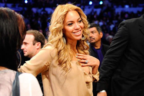 Beyoncé Announces Professional Split from her Father