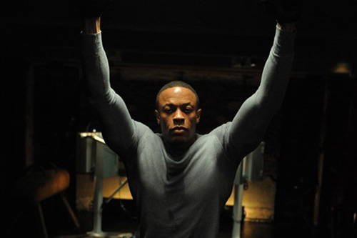 Dr. Dre featuring Swizz Beatz - Chillin