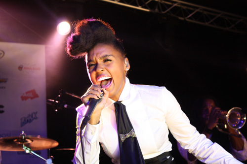 """Janelle Monáe - """"Killers, Lasers & Papers"""" Live Show (SXSW)"""