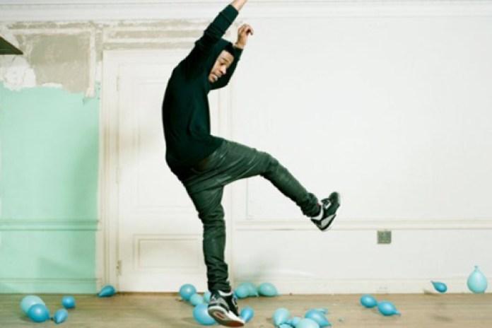 Travis Barker featuring KiD CuDi - Cool Head